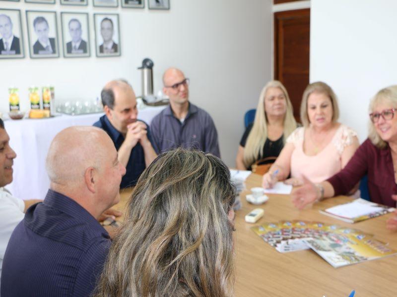 ACIEI SEDIA REUNIÃO DO PRESIDENTE DA FEDERAMINAS  COM ASSOCIAÇÕES COMERCIAIS DA REGIÃO