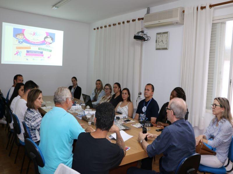 ORGANIZAÇÃO DA CAMPANHA 'OUTUBRO ROSA  / NOVEMBRO AZUL' FAZ ÚLTIMA REUNIÃO ANTES DO EVENTO