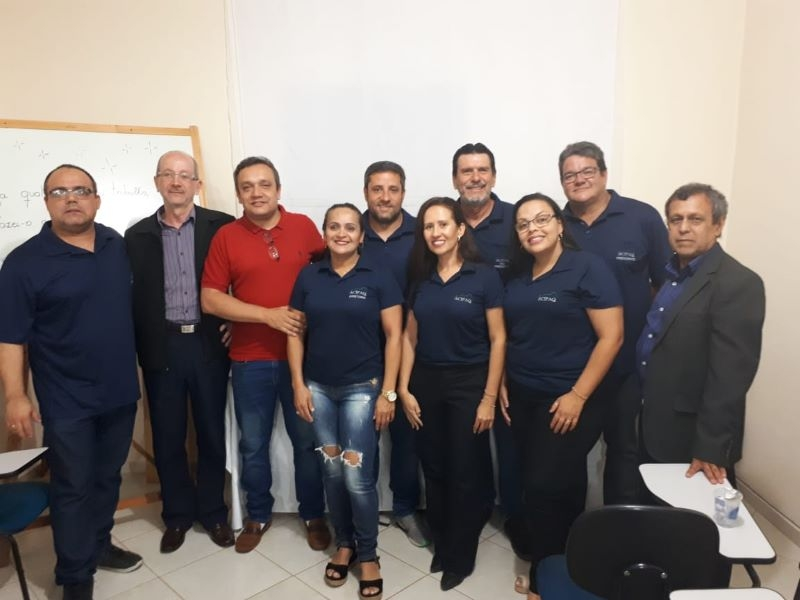 ACIEI E SINDCOMÉRCIO PRESTIGIAM NOVA SEDE DA ACIPAQ